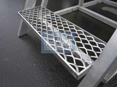 Просечно-вытяжной лист ПВЛ в качестве ступеней лестниц